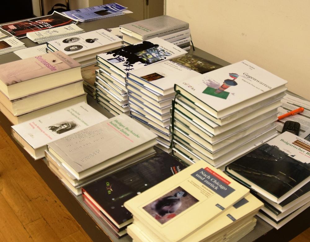 Buchtisch Chora Verlag